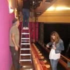 Preparando iluminación y escenografía_4